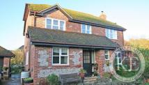 4 bed Detached house to rent in Watersfield, West Sussex