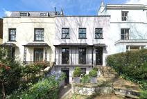 3 bed property for sale in Holland Park Avenue...