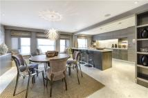 Maisonette for sale in Lancaster Gate, London...