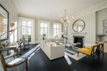 6 bed Terraced house in Kensington Park Gardens...