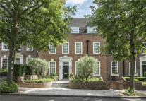 7 bed house in Ilchester Place...
