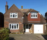 3 bedroom Detached house for sale in Tas Combe Way...