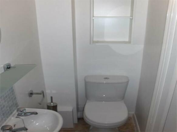Bedroom 3 - en-suite 1