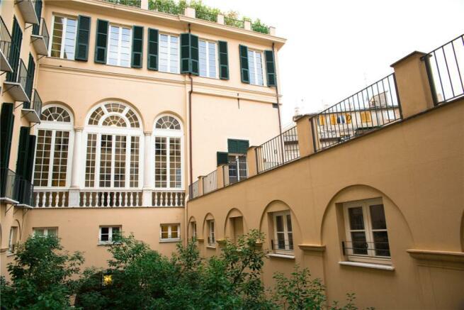 1C Courtyard View