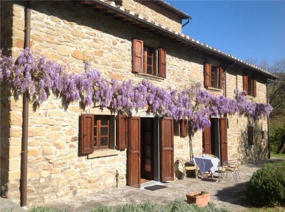 Farmhouse In Umbria
