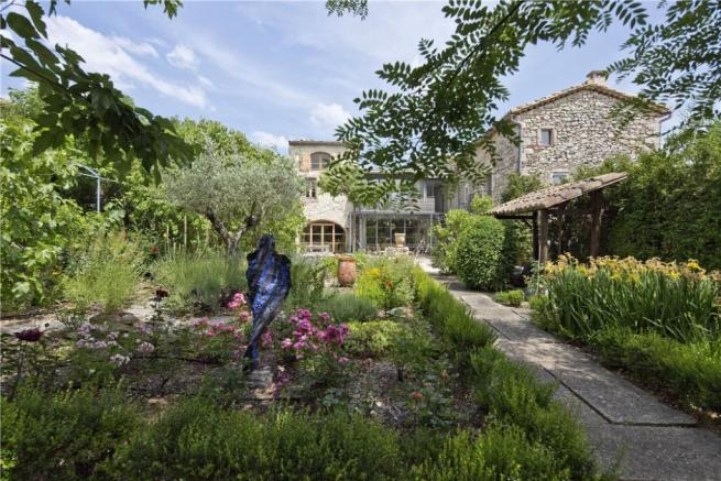 Uzes For Sale