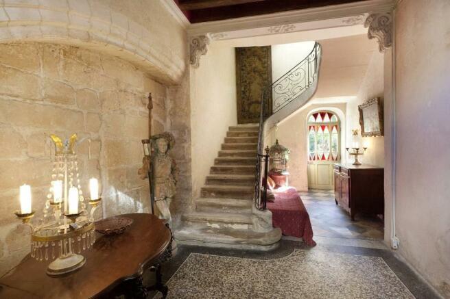 House Avignon Sale