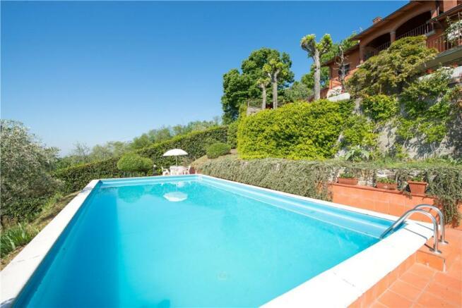 Villa In Montecatini