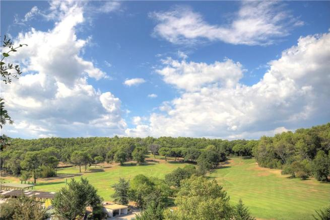 Valbonne Golf Sale