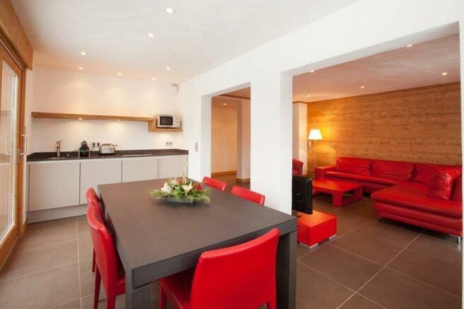 Combloux Dining Area