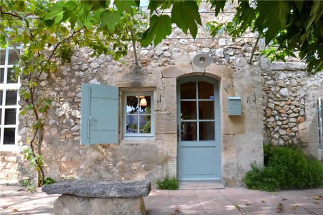 Eygalieres For Sale