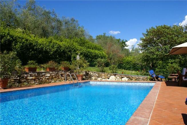 Florence Pool