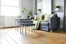 Studio apartment to rent in Linden Gardens, London...