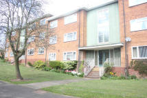 Flat to rent in HOLDGATE ROAD...