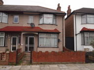 3 bed End of Terrace home in Woodland Way, Mitcham...
