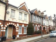 Ground Maisonette in Salterford Road, London...