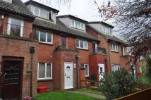 Flat to rent in Mead Avenue, Langley
