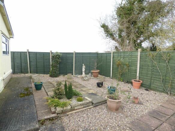 Gardens / Open Views