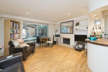 Apartment to rent in Latimer Road...