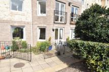 Flat to rent in Manorside Close, Upton...