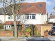 5 bed semi detached home in Vallance Road...