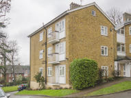 Flat for sale in Muswell Hill, London, N10