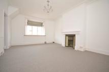 Flat to rent in East End Road, London, N2