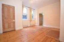 1 bed Ground Flat to rent in VICTORIA ROAD, London...