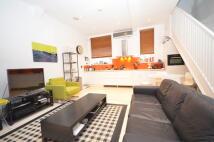 2 bed Mews to rent in COLLINS YARD, London, N1