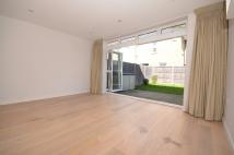 4 bed End of Terrace home to rent in Archway Road, London, N6