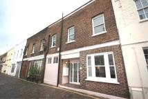 Mews to rent in Gloucester Mews, W2