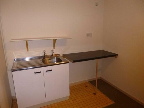Kitchenette / Office