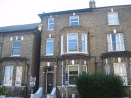Apartment to rent in Endlesham Road, Balham