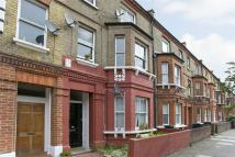 2 bedroom Flat in South Island Place, Oval...