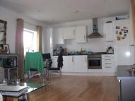 3 bedroom Apartment to rent in Mitcham Lane, Streatham