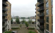 Flat in Millenium Quay, London