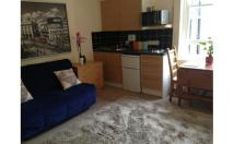 Studio flat in Brondesbury Road, London