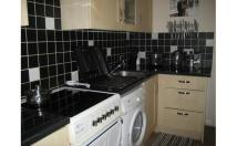 Flat to rent in Windmill Road...