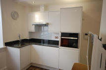 Studio apartment to rent in Green Lanes, London, N8