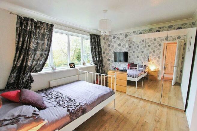 Bedroom Right ...