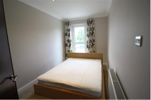 1 bedroom Apartment to rent in High Road, Ilford, IG3