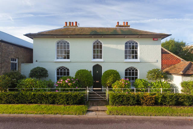 4 bedroom detached house for sale in ash kent ct3