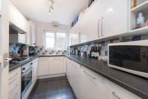 2 bed Flat to rent in Spencer Hill, London...