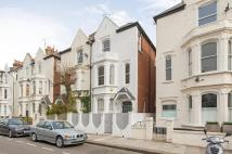Studio apartment in Whittingstall Road, SW6