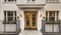 Flat to rent in Two Bedroom Flat Mayfair