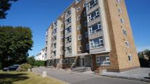 2 bed Flat in West Cliff Road...