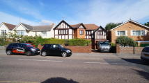 6 bed Villa to rent in Woodside road, Parkstone...