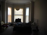 1 bed Studio flat to rent in Norwich Avenue West...