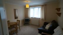 2 bedroom Flat in Hawthorn Road...