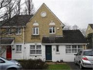 4 bedroom semi detached house in Halton Close, London, N11